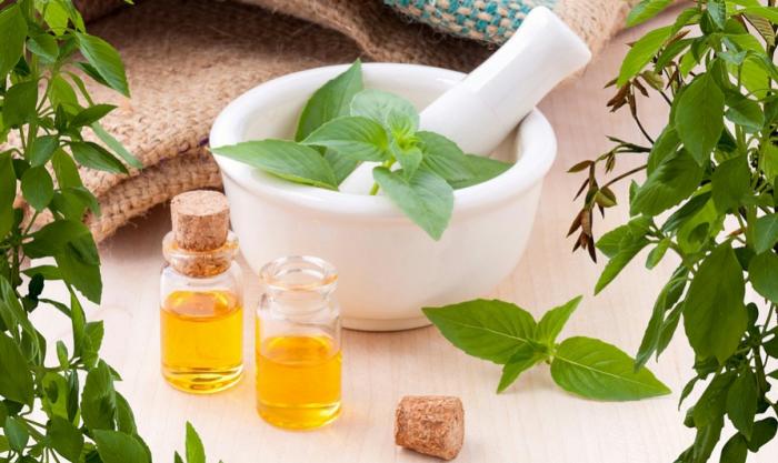 ¿Cómo usar los aceites esenciales para el cuidado de la piel?