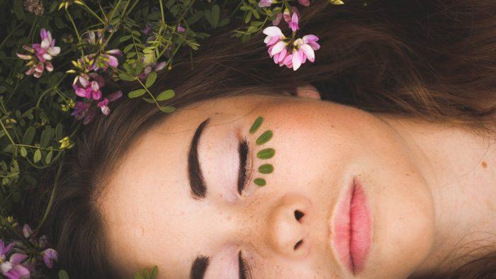 Sueño y rutina de belleza, ¿cuál es la relación?